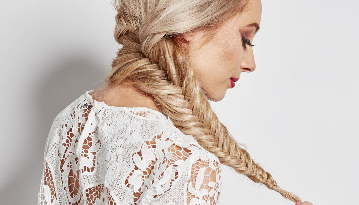 Romantic Hairstyles for This Valentine's Day