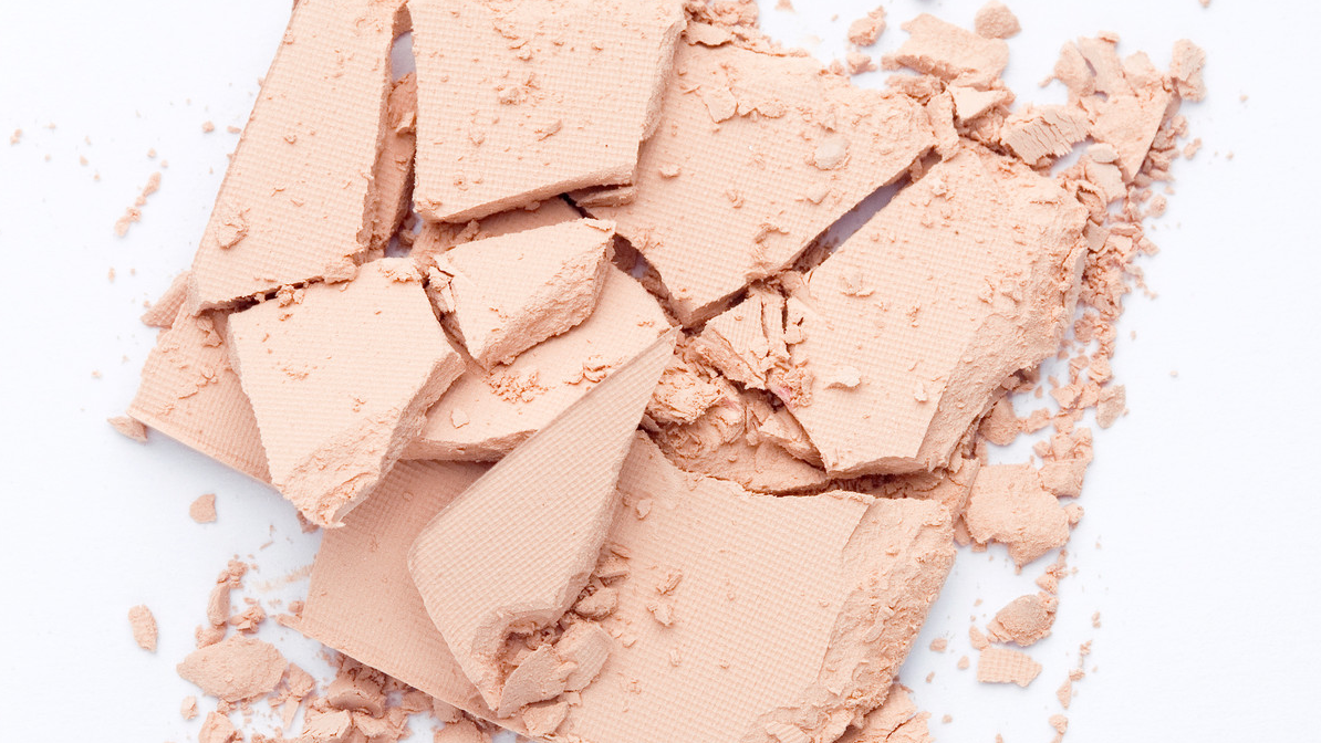 A No-Mess SPF Mineral Foundation for the Perfect Spring Coverage
