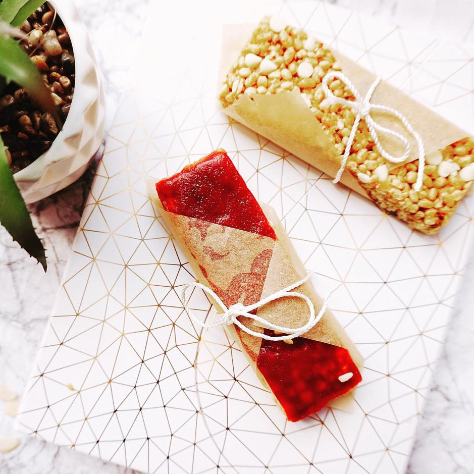 strawberry jam bar and lemon bar tied in string