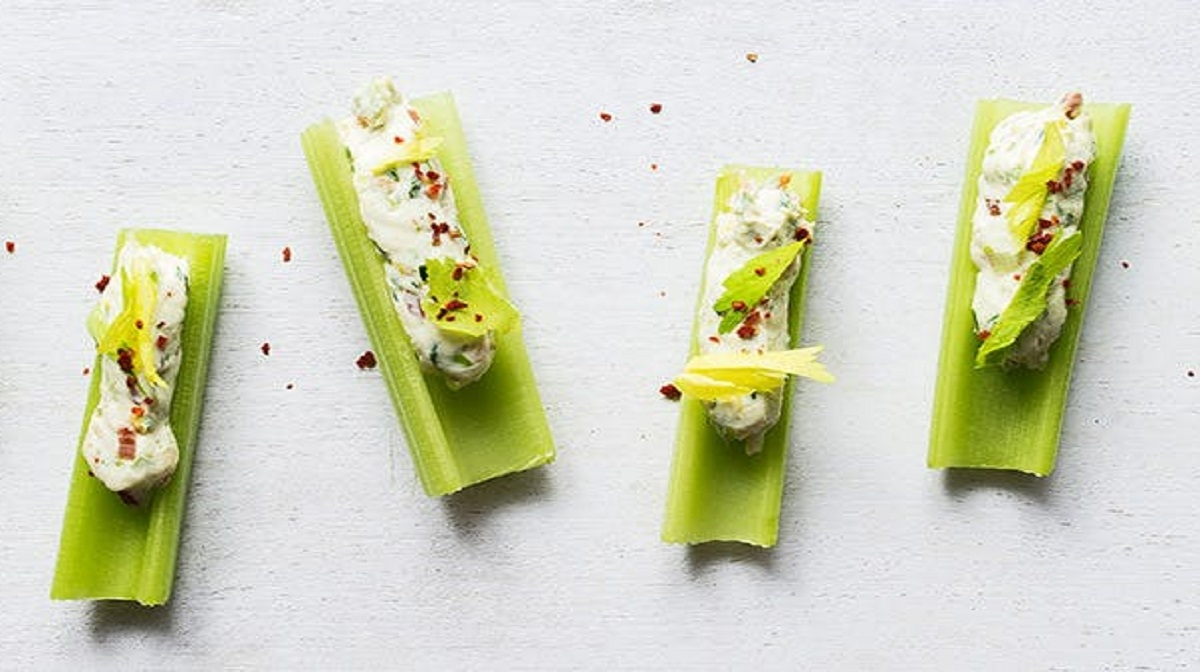 Celery Sticks with Cream Cheese