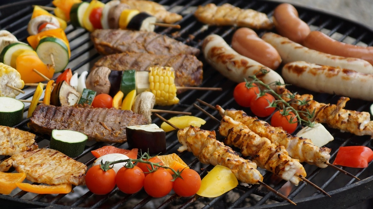 Healthy BBQ Ideas That Won't Derail Your Diet