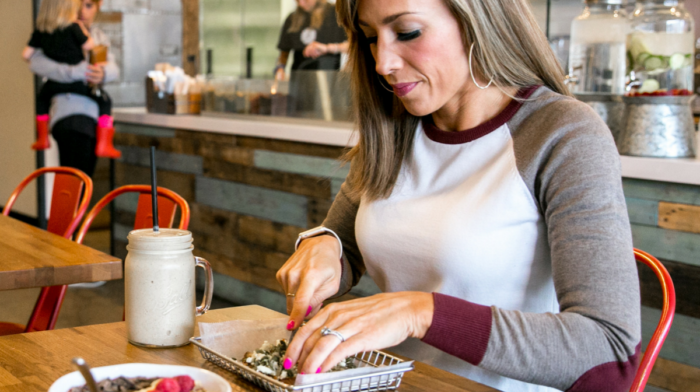 How to Eat Out and Still Eat Clean