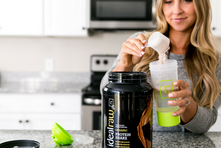 bree with idealraw protein