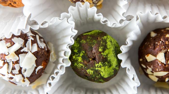 Clean Eating Chocolate Truffles