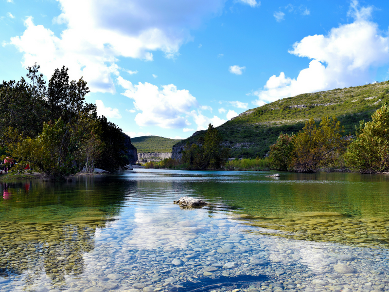 Lake where spirulina grows