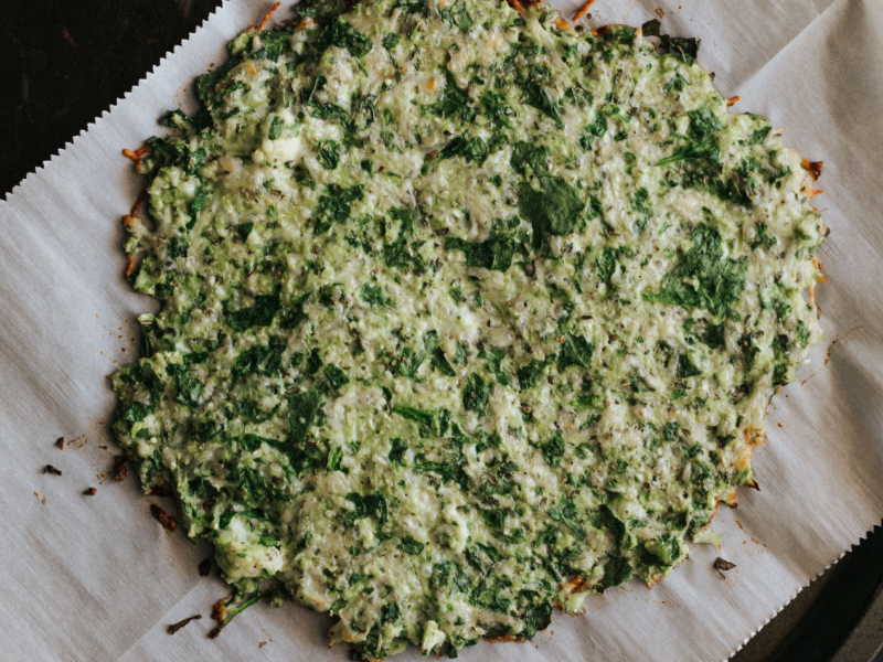 Healthy cauliflower spinach pizza crust