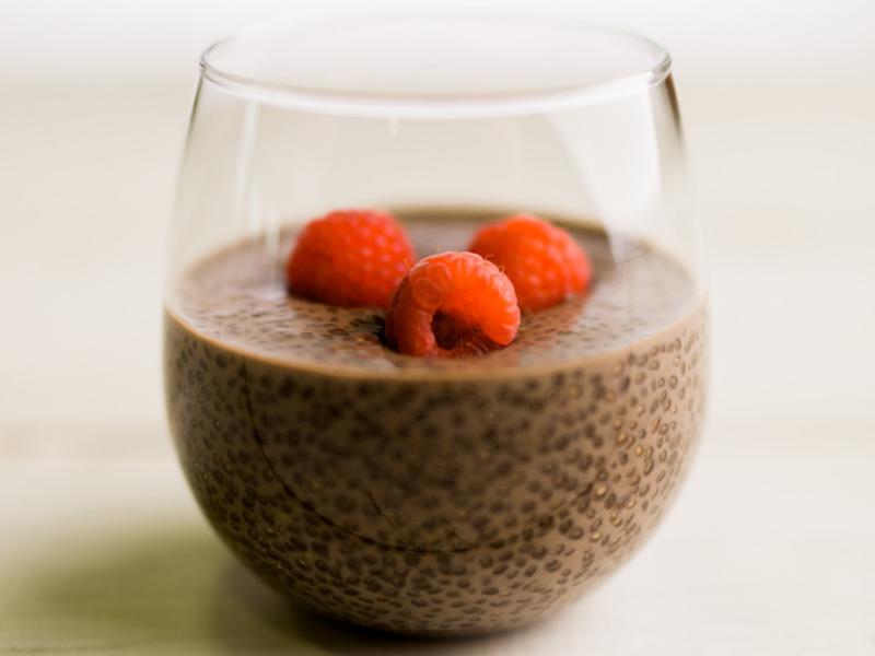 Healthy dark chocolate chia pudding