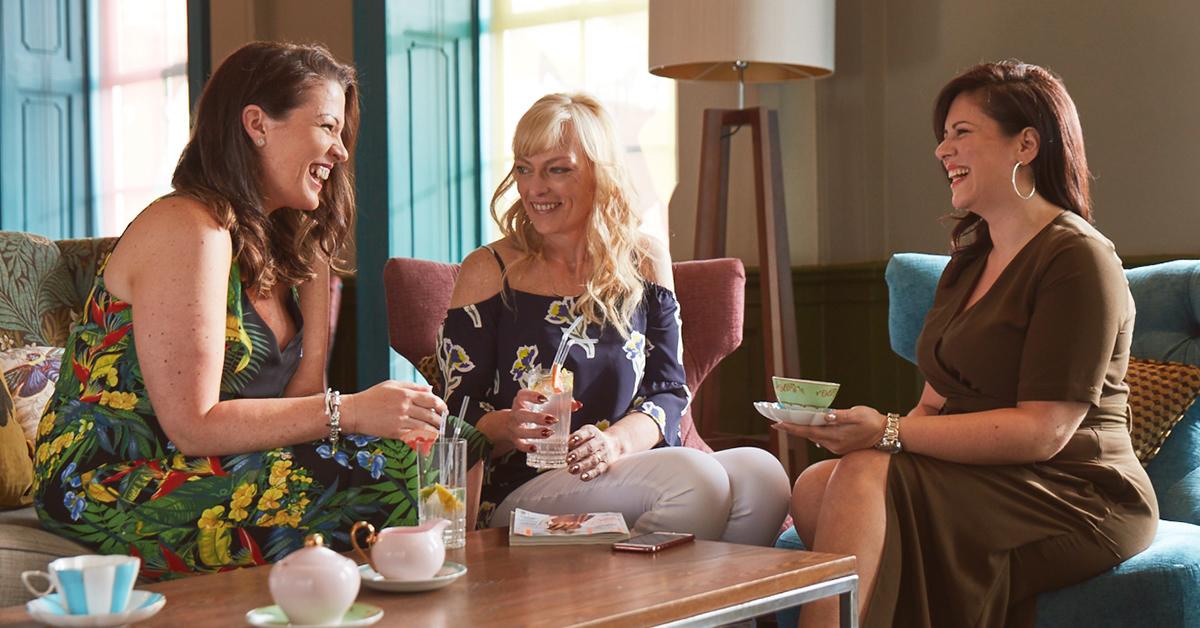 Rilassarsi tra amiche: la positività aiuta a rimanere in forma!