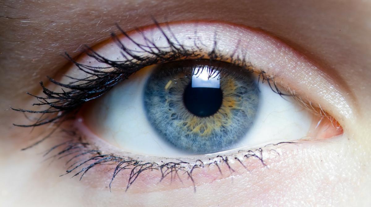 un occhio sano: la vitamina a contribuisce alla salute dell'occhio