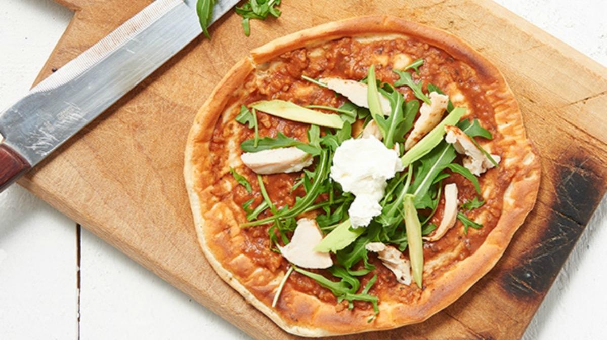 Pizza con Rúcula y Pollo