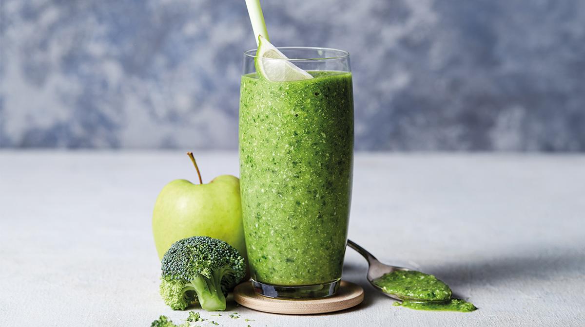 súper green smoothie para disfrutar de un desayuno saludable
