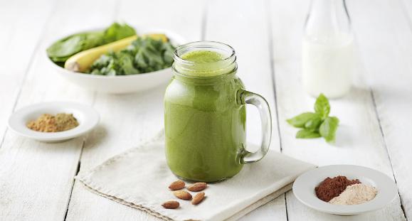 recetas saludables de un rico smoothie con espirulina