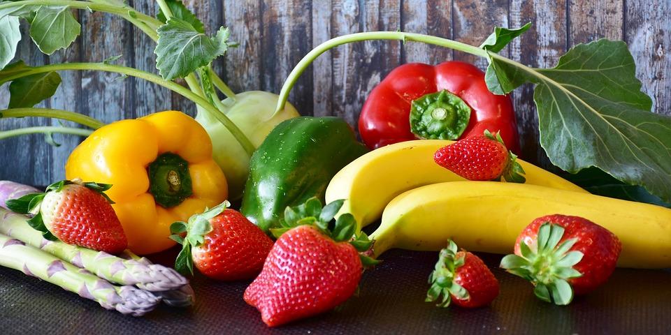 fresas y pimientos para la pérdida de grasa corporal