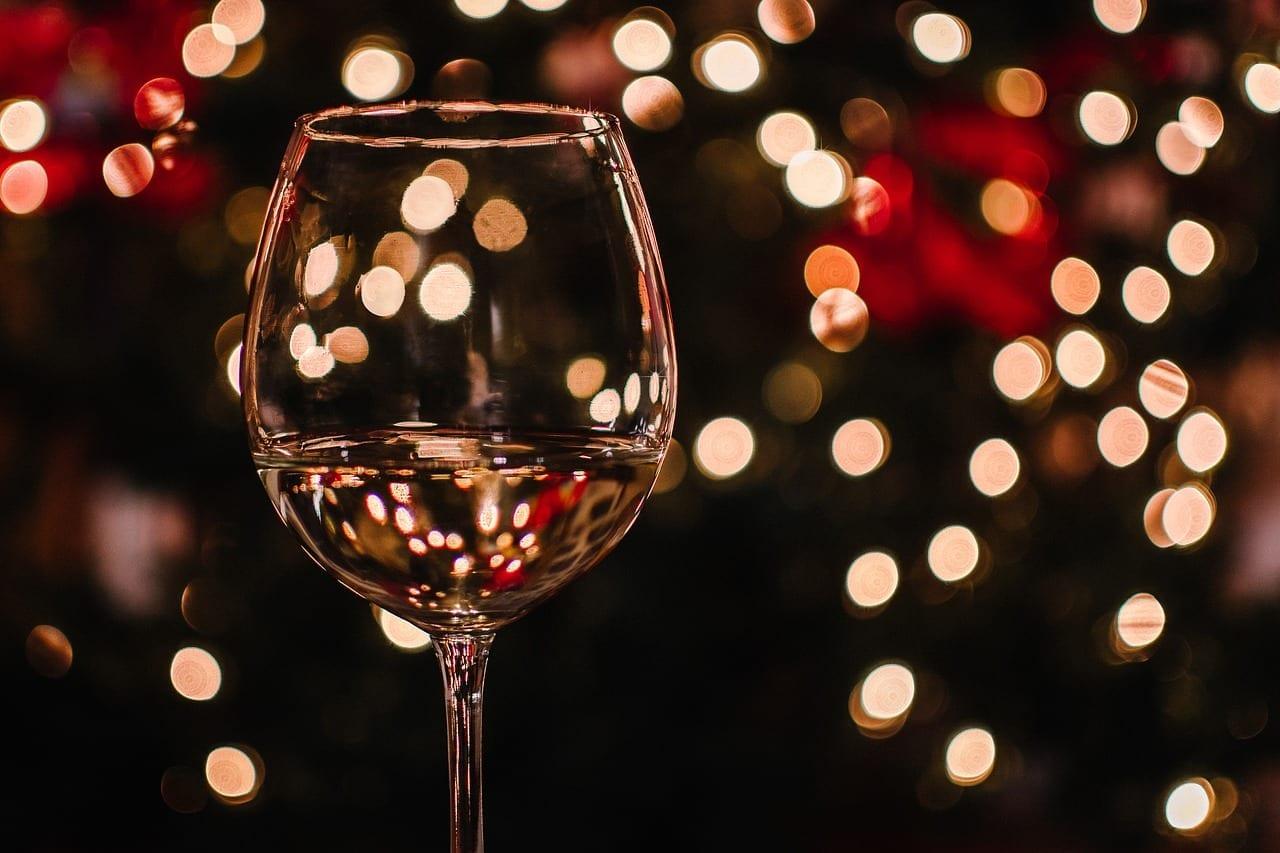 Controla la cantidad de bebidas alcohólicas. Trucos saludables para unas felices y sanas navidades