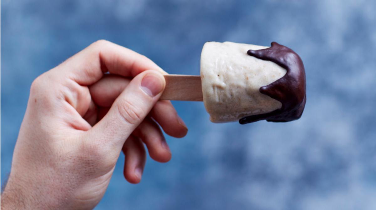 helados saludables y altos en proteína para disfrutar de una merienda sana