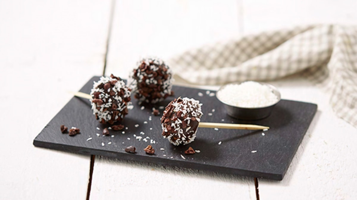 Piruletas de cacao para una merienda saludable