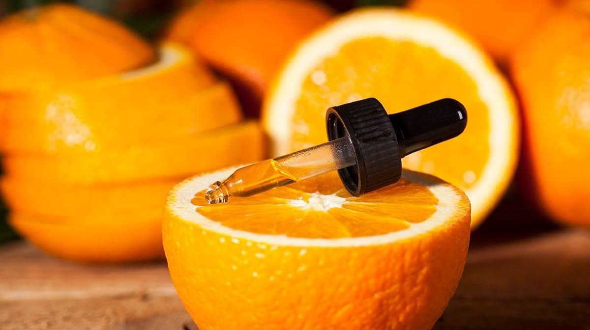 Vitamina C – Come usarla e perchè fa bene alla pelle