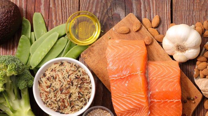Cele mai bune 15 suplimente și alimente prebiotice pe care să le adaugi în dietă