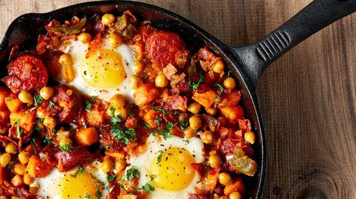 Varm morgenmad med sød kartoffel og chorizo | Perfekt til muskelopbygning