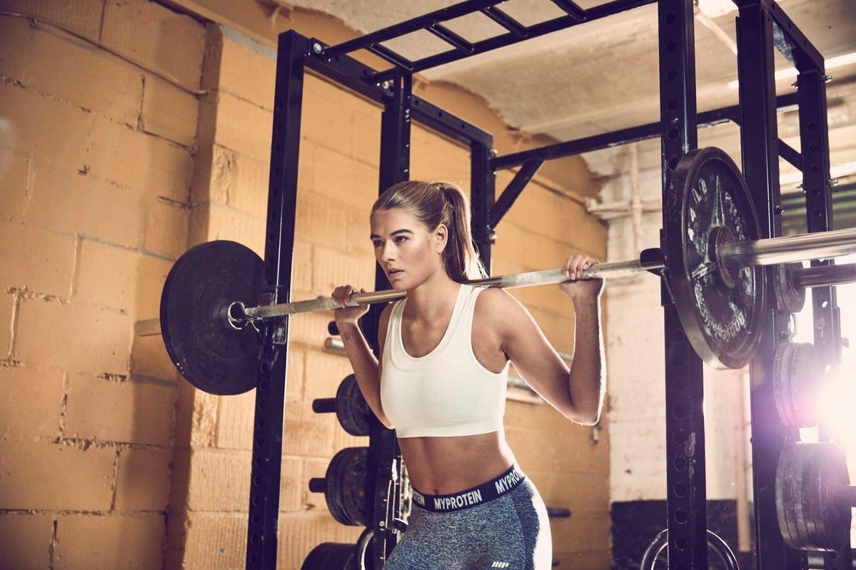 Kvinder styrketræning