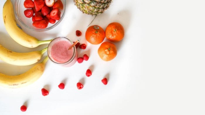 Er det godt at spise frugt inden sengetid som alternativ til slik?