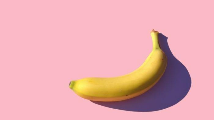 Hvor mange kalorier er der i en banan? | Fordele ved at spise bananer, når du træner