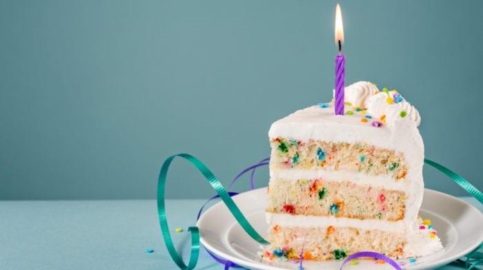 Den ultimative protein fødselsdagskage med krymmel