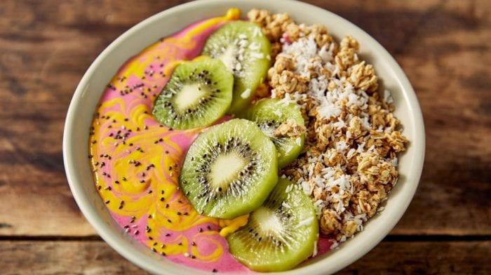 Instagram-able smoothie bowl med fersken & mango