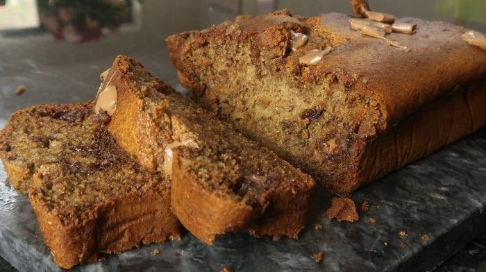 Fuldkorns bananbrød med mørk chokolade | Nem opskrift
