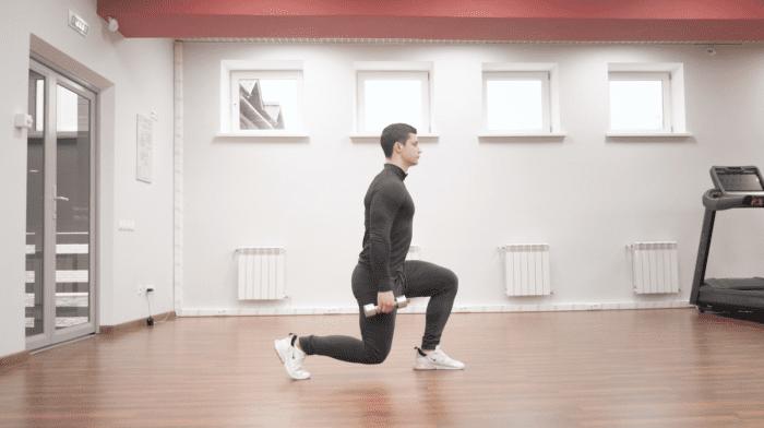Sådan laver du walking lunges | Fordele & Teknik
