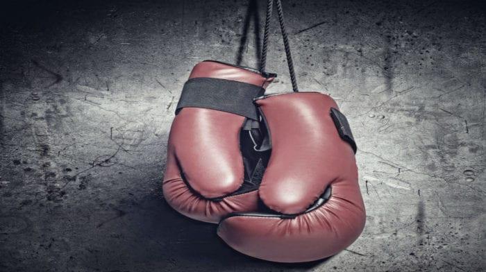Тренировка бойца с железом
