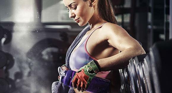 Как подтянуть грудь девушке? | Топ-4 упражнения