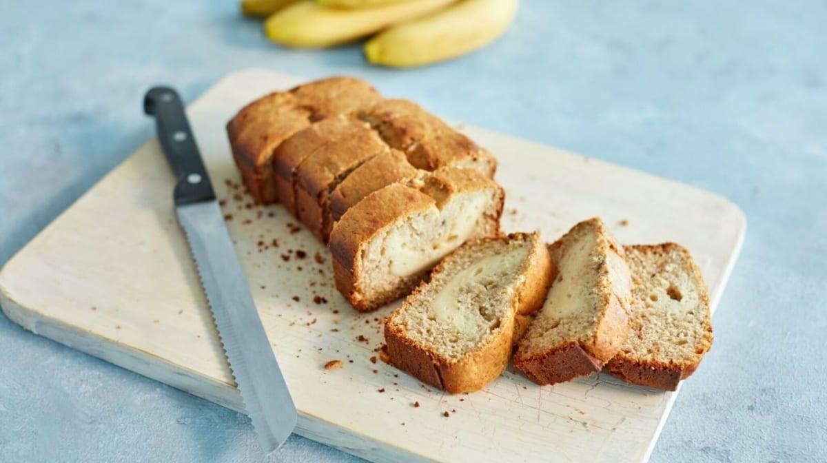 Протеиновый банановый хлеб с сырной начинкой