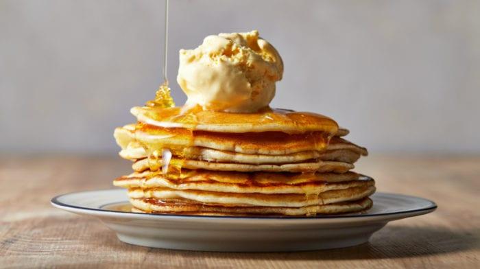 4-Ingredient Foolproof Banana Protein Pancakes (& 3 More Protein Pancake Recipes)
