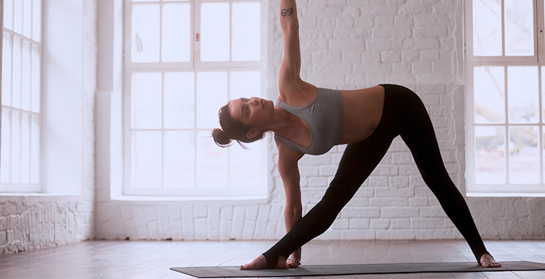 IdealFit Extended Triangle Pose