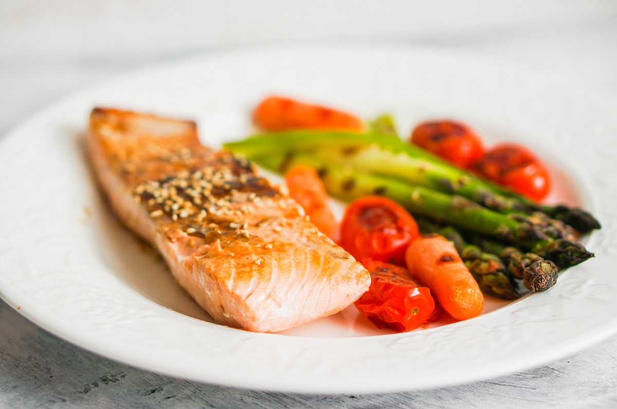 baked salmon and vegetabels
