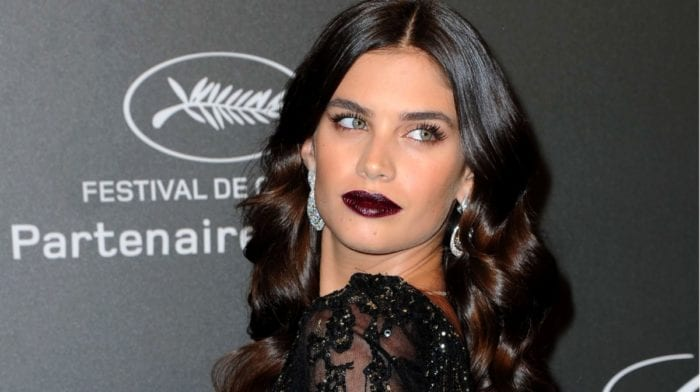 How To Wear An On-Trend Dark Red Lipstick