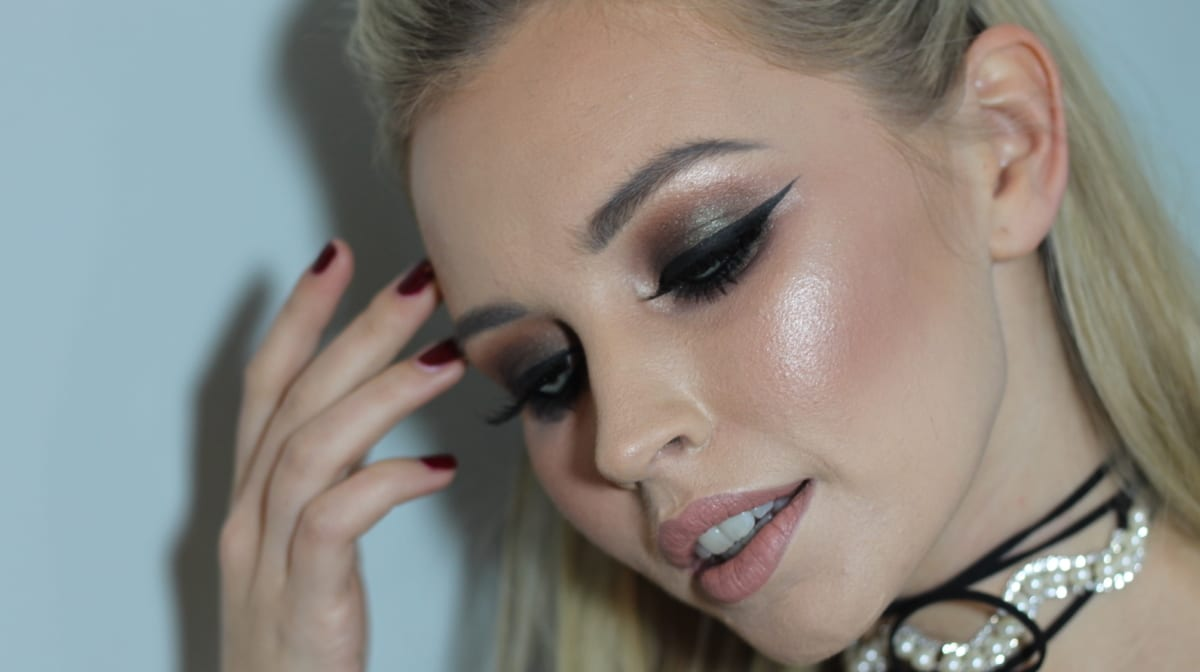 Best Eyeshadow Primers for Crease-Free Glamour