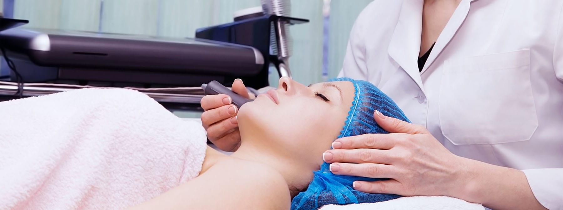 LED Light Therapy: The Futuristic Way to Do Skincare