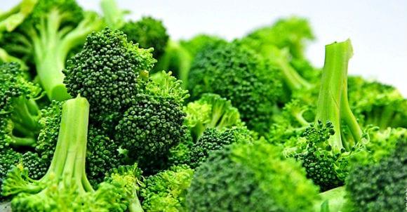 Aliments anti-inflammatoires | Lesquels inclure et éviter dans votre régime ?