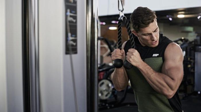 Avoir des bras musclés – Superset Biceps/Triceps
