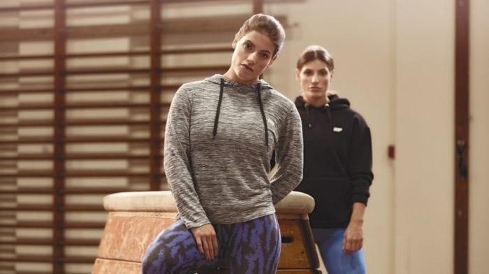Musculation femme – Dois-je soulever lourd ou continuer avec des charges légères?