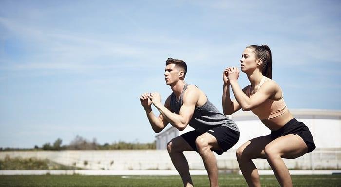 squats à deux