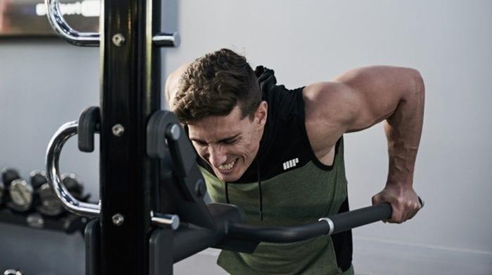 L'exercice Dips pour renforcer les Triceps – Recommandations pour éviter les erreurs