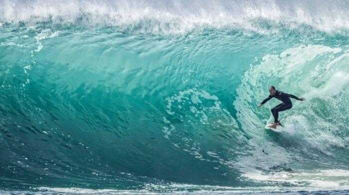Où faire du surf ? Les meilleurs spots de surf en France et en Europe