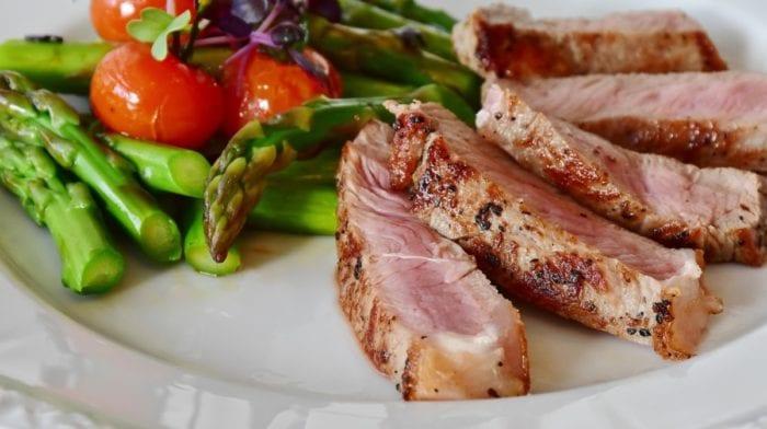 La viande rouge rend-elle plus fort ?