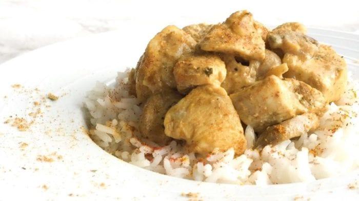 Recette de poulet au curry et lait de coco