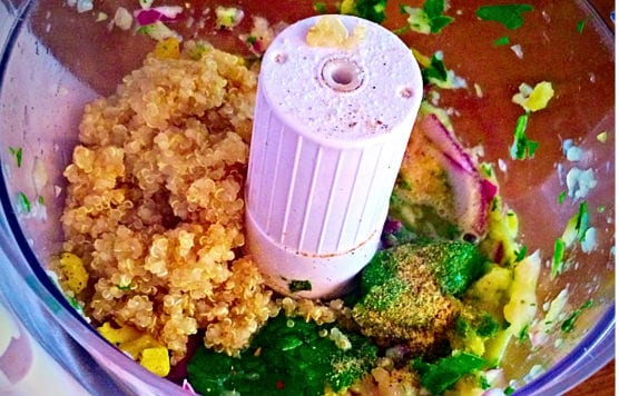 Gesunde-Quinoa-Burger-mit-Hähnchen-3