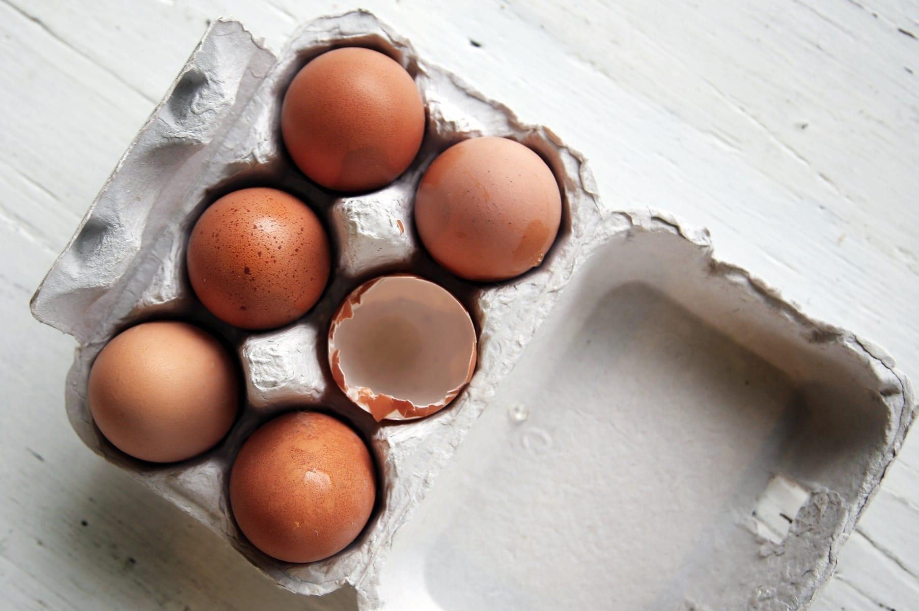 Karton mit Eiern