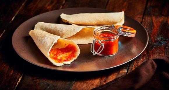 Mais-Tortillas mit scharfer Nando-Sauce